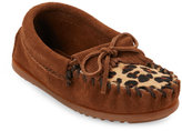Minnetonka Kids Girls) Dusty Brown Leopard Print Calf Hair Moccasins