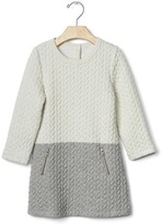 Gap Quilted jacquard shift dress