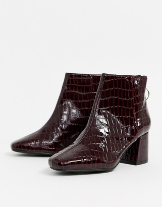 Miss Selfridge heeled boots with square toe in burgundy croc-Red