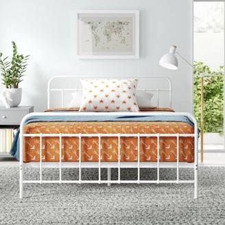 Mack & MiloTM Aly Platform Bed Mack & Milo Size: Queen
