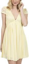 Bow & Arrow Pale Yellow Lace-Contrast Empire-Waist Dress