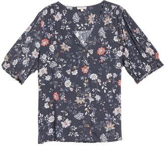 Como Vintage Floral Print V-Neck Blouse (Plus Size)