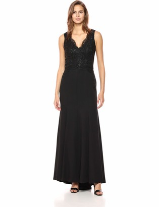 Vince Camuto Women's Lace Sleeveless Gown with Crepe Skirt