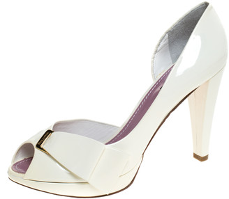 Louis Vuitton Off-White Patent Leather Apple Peep Toe Pumps Size 39