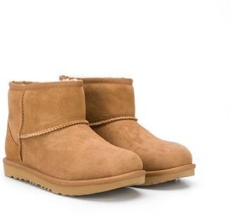 UGG TEEN Mini Classic II boots
