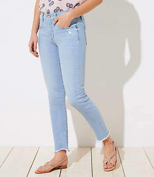 LOFT Petite Curvy Soft Slim Pocket Chewed Hem Skinny Crop Jeans in Staple Light Indigo Wash