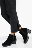 boohoo Wide Fit Suedette Zip Side Chunky Heel Chelsea Boots