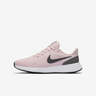 Nike Big Kids' Running Shoe Revolution 5