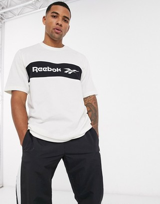 Reebok classics t-shirt with vector logo in white