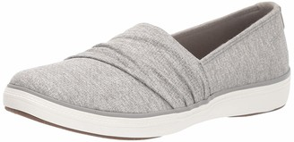 Grasshoppers Women's Lacuna Pleated Slip-On