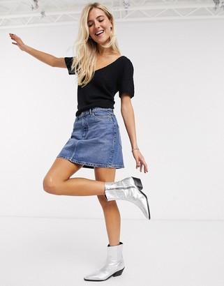 Only denim skirt in 90's wash