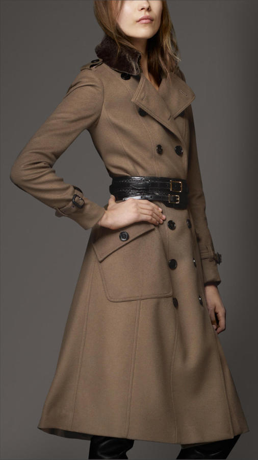 Burberry Shearling Collar Wool Cashmere Coat