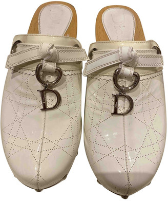 Christian Dior White Patent leather Mules & Clogs