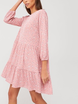 boohoo Ditsy Print Tiered Smock Dress - Pink