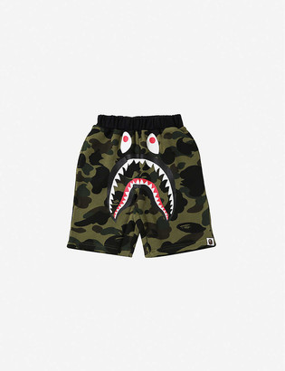 A Bathing Ape Camo shark-print cotton shorts 4-8 years