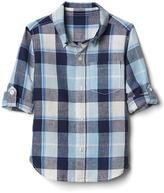 Gap Bold plaid linen-blend convertible shirt