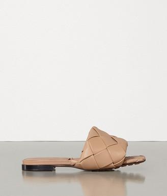 Bottega Veneta Lido Flat Sandals In Nappa