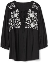Gap Embroidery three-quarter sleeve top