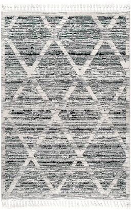 nuLoom Berta Textured Diamond Tassel Rug