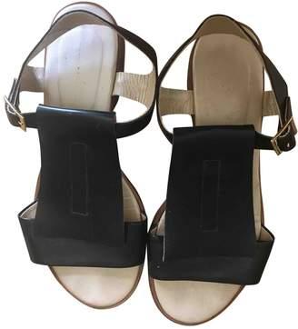 Thomas Laboratories Anne Black Leather Sandals
