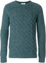 Closed cable knit jumper