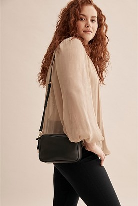 Country Road Claire Crossbody Bag