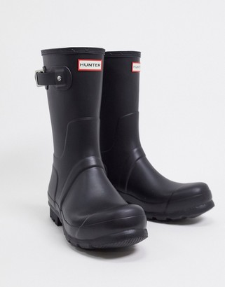 Hunter short wellington boots in black