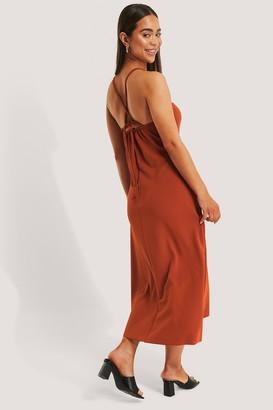 Trendyol Tile Back Detail Midi Dress
