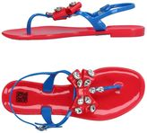 Colors of California Toe strap sandals