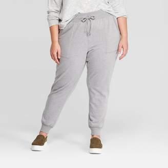 Universal Thread Women's Plus Size Mid-Rise Fleece Jogger - Universal ThreadTM
