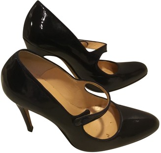 Manolo Blahnik Navy Patent leather Heels