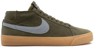 Nike Blazer Chukka Medium sneakers
