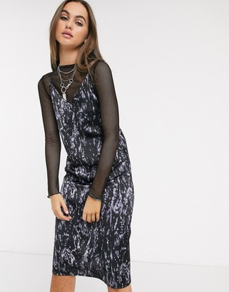 Noisy May midi slip dress in black marble print