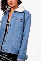 boohoo Janie Borg Lined Oversized Denim Jacket mid blue