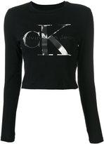 Calvin Klein Jeans cropped logo print T-shirt - women - Cotton - XS
