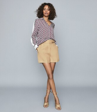 Reiss Ada - Tailored Shorts With Waist Detail in Camel