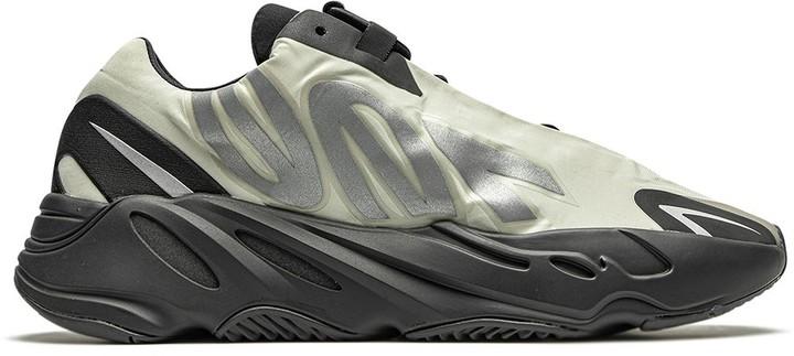 """Yeezy Boost 700 MNVN """"Bone"""" sneakers"""