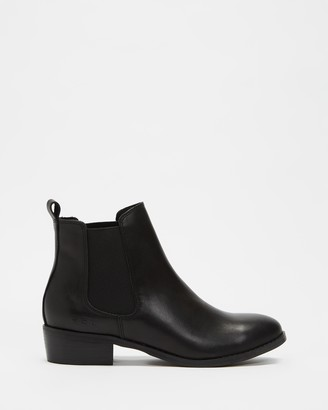 ROC Boots Australia - Women's Black Chelsea Boots - Vespa Leather Ankle Boots - Size 36 at The Iconic