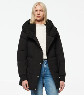Andrew Marc SARAWEE SYNTHETIC DOWN SHERPA LINED PUFFER