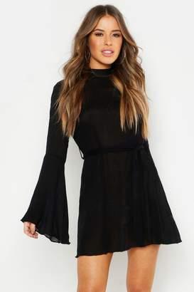 boohoo Petite Textured Tie Waist Flare Sleeve Skater Dress