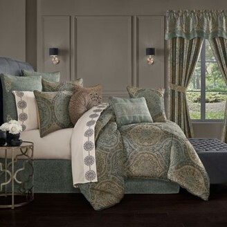 J Queen New York Dorset 4-Piece California King Comforter Set in Spa