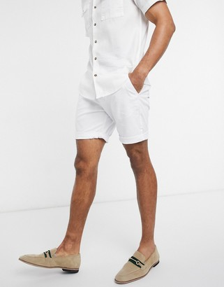 Asos Design DESIGN slim chino shorts in white
