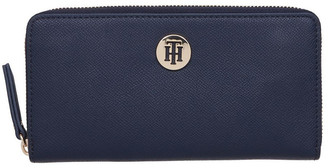 Tommy Hilfiger The Classic Monogram Wallet