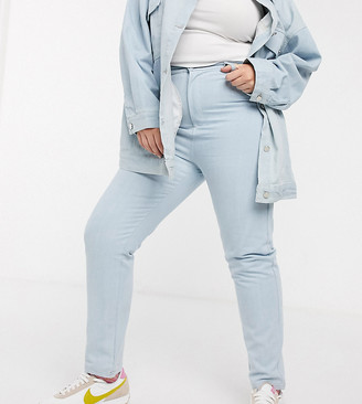 Daisy Street Plus high waist mom jeans in light wash denim co-ord