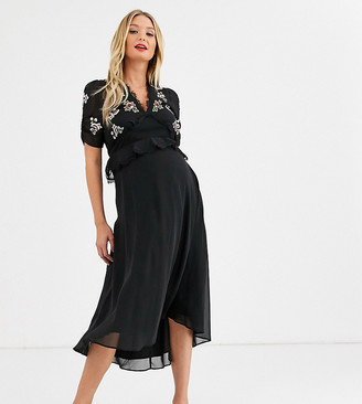 Hope & Ivy Maternity floral embroidered midi dress with tiered skirt in black