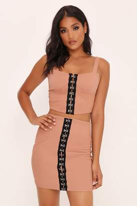 I SAW IT FIRST Camel Hook And Eye High Waisted Skirt