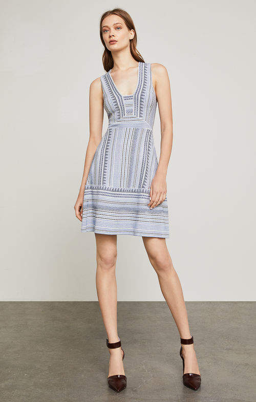 BCBGMAXAZRIA Sleeveless Chevron Stripe Jacquard Dress