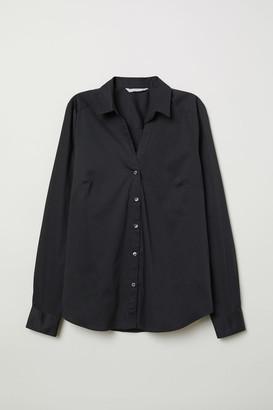 H&M V-neck shirt