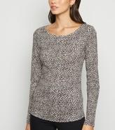 New Look Leopard Print Long Sleeve T-Shirt