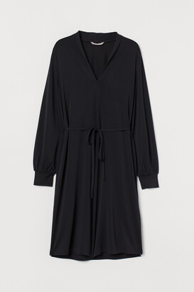 H&M Shawl-collar Dress